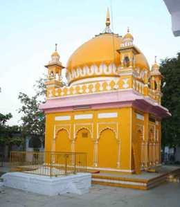 Dargah of Nizamuddin Aurangabadi
